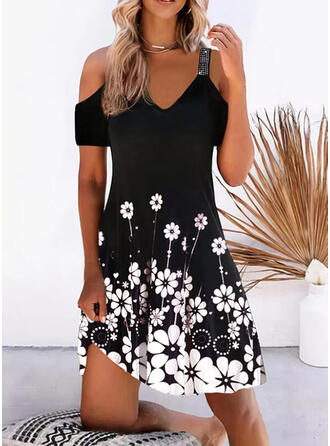 Print/Floral Sequins Short Sleeves Cold Shoulder Sleeve Shift Knee Length Casual/Vacation Tunic Dresses